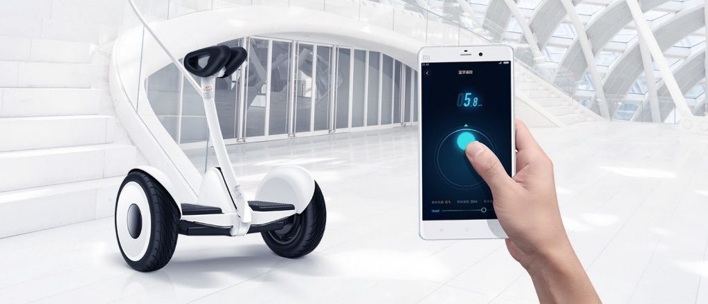 Xiaomi-hoverboard-made-with-Ninebot-and-Segway-photo-3b.jpg